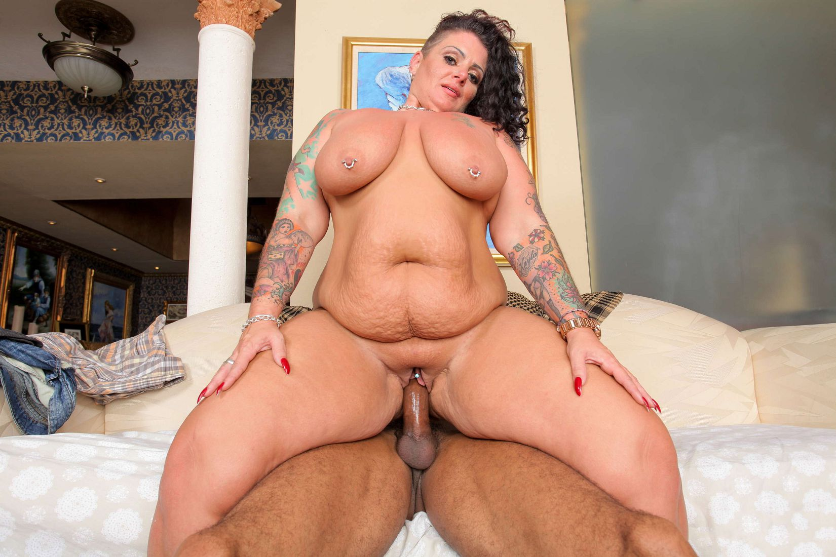 Big booty alt porn latina gina hawk smokes and sucks cocks - 1 3