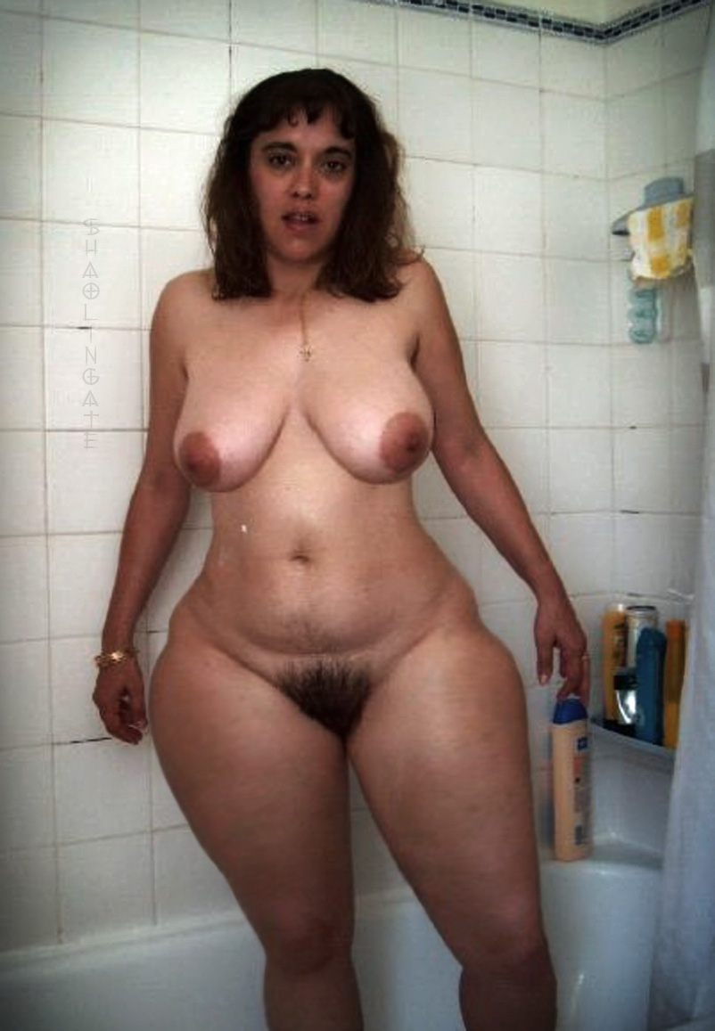naked girl in with big thigh